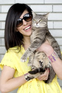 Smile at me! #soutache #pastels #earrings #love #cat #gatto #gatta #cats #pursesandi #kikithesweetycat #pursesandi #cat #gatto #details #fashiondetails #animals #catlovers #eyes #cute #nice #gatta #spring #ss2013 #yellow #loveiseverywhere #smile www.pursesandi.net