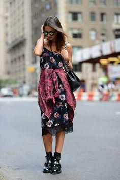 #StreetStyle Zina doing pretty & tough & tying it round her waist. Barcelona. #ZinaCharkoplia #Fashionvibe