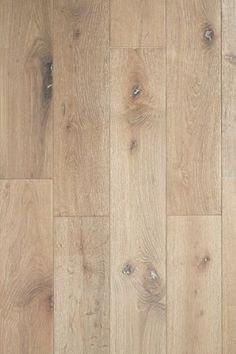 Hardwood Flooring Trends for 2020 17 trendy styles for hardwood floors. The definitive guide to hottest and most stylish wood flooring trends for Stain color preferences and finishes. Hardwood Floor Colors, Wood Floor Texture, Light Hardwood Floors, Laminate Flooring Colors, Hardwood In Kitchen, Modern Wood Floors, Wood Colors, Best Wood Flooring, Engineered Hardwood Flooring