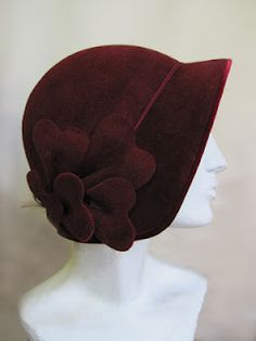 I adore this hat. I can't seem to find a good shot of Miss Fisher wearing it, but I have coveted it since I saw it. It's made by Mandy Murphy here in Melbourne. Fishers Hat, 20s Fashion, Murder Mysteries, Fascinators, Headpieces, Vintage Outfits, Vintage Hats, 1920s Hats, Head Accessories