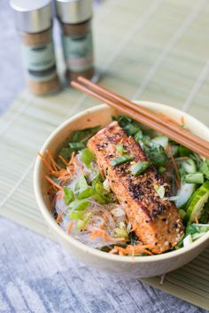 Glasnoedelsalade met Zalm en Paksoi #Noodle_Salad