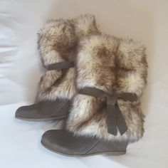 """BCBGeneration Freesia fur boots Beautiful suede and fur boots in stone/cream from BCBGeneration. Only worn a few times. In great condition. Wedge heel is 3"""" with rubber soles. Perfect for winter! All reasonable offers considered. BCBGeneration Shoes"""