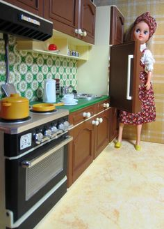 Fleur (dutch Sindy doll) + complete kitchen, 3 pc, vintage, dollhouse furniture #OttoSimon