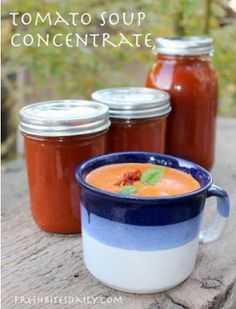 Homemade tomato soup concentrate — Your solution to canned tomato soup Homemade tomato soup concentrate — Your solution to canned tomato soup Canning Tomato Soup, Tomato Soup Recipes, Canning Tomatoes, Tomato Canning Recipes, Spinach Recipes, Food Storage, Storage Ideas, Healthy Canned Soups, Gastronomia