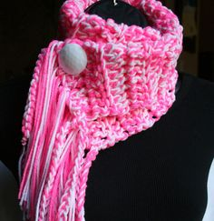 Sassy Cowl by www.behindmypicketfence.com