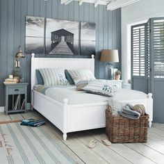 Cottage bedroom decor beach cottage bedroom images best nautical ideas on theme furniture coastal cottage bedroom . Coastal Master Bedroom, Beach House Bedroom, Nautical Bedroom, Coastal Bedrooms, Coastal Living Rooms, Nautical Home, Master Bedroom Design, Home Bedroom, Coastal Bedding