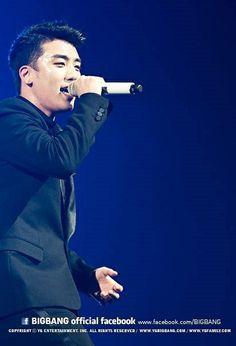 Seungri ♕ #BIGBANG // @ Sapporo Dome (140104) Daesung, Bigbang, Big Bang Kpop, Choi Seung Hyun, Sapporo, G Dragon, Music Industry, Vixx, Yg Entertainment