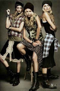 Plaid. Is 90's grunge making a full on comeback....please!!! I love this way more than some darn skinny jeans.