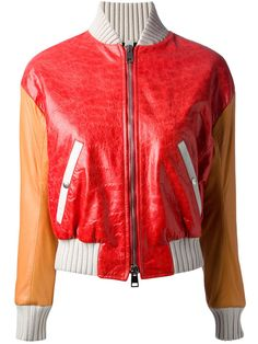 Une veste en cuir 70's: Cloud X, 888€