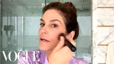 American supermodel Cindy Crawford has many lessons to impart, with an ageless beauty regimen that can be executed in under 10 minutes. Beauty Routine 30s, Morning Beauty Routine, Beauty Regimen, Skincare Routine, Beauty Tips For Skin, Beauty Secrets, Skin Care Tips, Beauty Hacks, Beauty Stuff