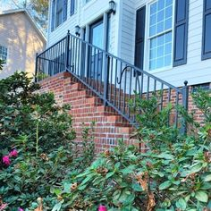 By installing the Westbury Tuscany metal deck railing system along your deck, porch, and patio to increase your outdoor space's style Composite Deck Railing, Metal Deck Railing, Stair Railing Kits, Deck Railing Systems, Deck Balusters, Deck Railing Design, Deck Design, Deck Framing, Backyard Pergola