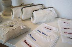 Brauttasche, besticktes Taschentuch, Taschenspiegel und Ringkissen... für die perfekte Hochzeit