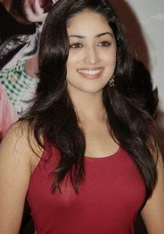 ileana d'cruz hot in tight red dress Beautiful Girl Indian, Most Beautiful Indian Actress, Beautiful Gorgeous, Beauty Full Girl, Cute Beauty, Beauty Women, Star Beauty, Beautiful Bollywood Actress, Beautiful Actresses