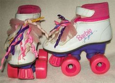 Barbie For Girls Boot Roller Skates I had skates just like this growing up. Childhood Memories 90s, Childhood Toys, Roller Derby, Early 90s Toys, 1990s Toys, Musik Player, 90s Shoes, Barbie 90s, Back In The 90s