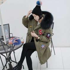 68.04$  Buy now - http://alion6.worldwells.pw/go.php?t=32753805774 - Large raccoon fur collar plus size code lovely fabric affix long military green warm thickening female coat outwear parka MZ1111