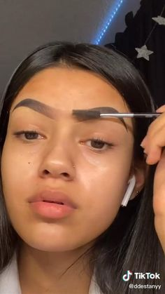 Dope Makeup, Baddie Makeup, Edgy Makeup, Dark Skin Makeup, Natural Makeup, Eyebrow Makeup Tips, Makeup Tutorial Eyeliner, Eyebrow Tutorial, Makeup Videos