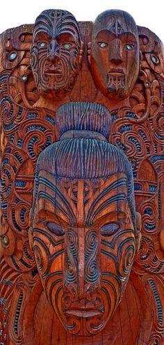 traditional Maori wood carving Te Puia, near Rotorua, New Zealand looking over your shoulder Maori Face Tattoo, Maori Symbols, Maori People, Tribal Face, Maori Tattoo Designs, Maori Art, Popular Art, Tattoos Gallery, Aboriginal Art