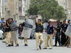 Lyari operation - day 5: Sindh govt offers olive branch to gangs