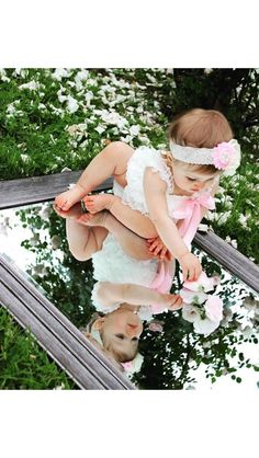 Elfenbein und rosa Spitzenspielanzug Ivory and pink lace romper A personal favorite # Birthday Girl Pictures, Baby Girl Pictures, Outside Baby Pictures, Outdoor Baby Pictures, Baby Boy Photos, Pictures For Babies, Baby Girl Portraits, 3 Month Old Baby Pictures, 6 Month Photos