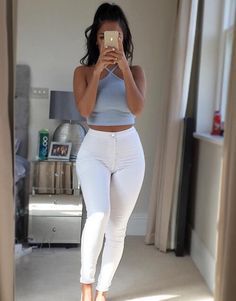 Casual outfits, fashion outfits, teen girl outfits, types of fashion styl. Mode Outfits, Girl Outfits, Fashion Outfits, Womens Fashion, Fashion Trends, Teen Party Outfits, Hijab Fashion, Fashion Tips, Spring Summer Fashion