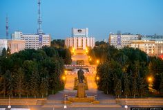 Челябинский академический государственный театр драмы имени Наума Орлова и сквер
