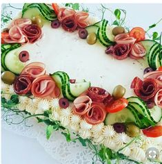 A világ legszebb tortái nem édesek! Sandwich Cake, Sandwiches, Food Design, Cute Food, Good Food, Salad Cake, Creative Food Art, Food Carving, Food Garnishes