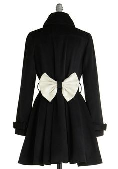 Cute coat for the perfect party dress. I'd never survive in Florida with my coat fettish!!!!
