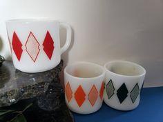 Valentine Heart, Valentine Day Gifts, Valentines, Green Mugs, Indiana Glass, Ceramic Vase, Milk Glass, Basket Weaving, Bowl Set