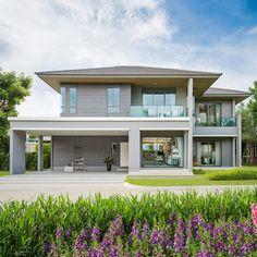 เศรษฐสิริ ปิ่นเกล้า-กาญจนาฯ บ้านเดี่ยวโครงการใหม่ จากแสนสิริ โทร. 1685 Dream House Plans, Modern House Plans, Dream Houses, Classic House Design, Modern House Design, Villa, Boat House, Exterior, Architecture