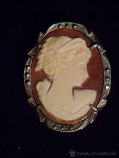 Broche camafeo y colgante 1890 en plata con contraste, marcasitas, dama. Sobre piedra.