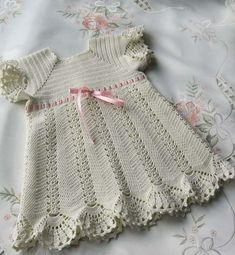 Ésta  página tiene los esquemas.  Christening dress