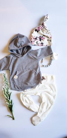 Baby Girl Fall Outfits, Newborn Girl Outfits, Baby Girl Fashion, Kids Fashion, Modern Baby Clothes, Baby Girl Sweaters, Take Home Outfit, Fall Clothes, Girl Falling