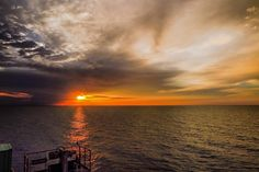 when the sunset comes... taken at MikeMike Area Offshore North West Java Sea Indonesia. by yovie03