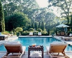 i've always wanted a pool. or maybe just a neighbor with a pool so i don't have to deal with upkeep. or i could just be rich enough to have a pool and then have someone else do the upkeep. Outdoor Rooms, Outdoor Living, Outdoor Furniture Sets, Outdoor Decor, Pool Bad, Moderne Pools, Dream Pools, Garden Pool, Moss Garden
