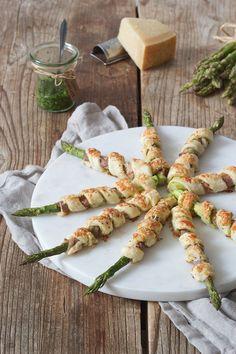 Grüner Spargel mit Schinken im Blätterteig (Spargel Schinken Grissini) als Fingerfood // asparagus ham grissini (green asparagus in puff pastry)  - quick and easy to make fingerfood // Sweets & Lifestyle®️️️  #fingerfood #rezept #spargel #puffpastry #grissini #asparagus #spargelschinkengrissini #spargelimblätterteig #sweetsandlifestyle