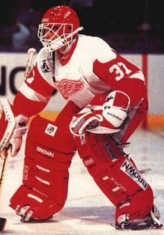 Vincent Riendeau was traded from StL to Detroit in Oct 1991 for D Rick Zombo. VR played 32 games for DET over parts of 3 seasons. WLT 17-8-2, GAA 3.22.