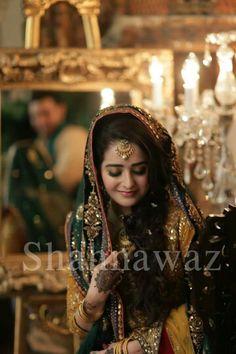 Mayoun dress Bridal Mehndi Dresses, Pakistani Wedding Dresses, Pakistani Mehndi, Pakistani Bridal, Dulhan Dress, Mehndi Outfit, Muslim Women Fashion, Mehndi Brides, Best Friend Wedding