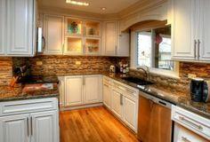 #savvyhomesupply  #kitchencabinets  #whitekitchencabinets  #fabuwood