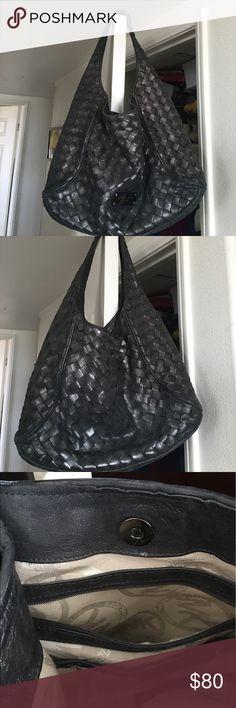 MICHAEL KORS HOBO HANDBAG Awesome bag in good Pre❤️ condition Michael Kors Bags Hobos
