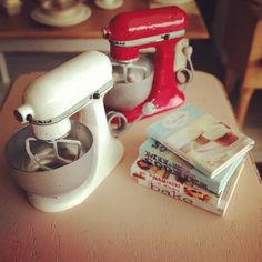 Tiny Kitchenaid love by It's a miniature life...is playing with clay