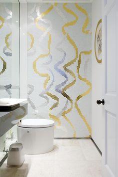 mozaïek goud zilver toilet