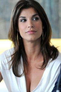 Elisabetta-Canalis-medium-straight-cut-hairstyle