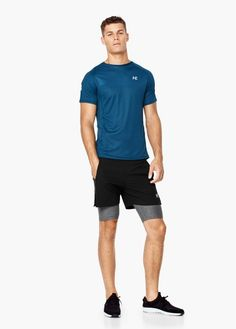 Short-sleeve technical running t-shirt - Men Gym Style, Sporty Style, Outfits Hombre, Sport Outfits, Fitness Fashion, Gym Fashion, Stylish Mens Outfits, Fitted Suit, Sports Brands