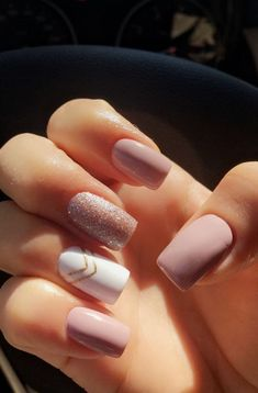 Trendy Nail Colors That Women Can't Miss – Page 60 of 99 – CoCohots trendige Nagelfarben, die. Wedding Acrylic Nails, Summer Acrylic Nails, Best Acrylic Nails, Acrylic Nail Designs, Matte Nails, My Nails, Glitter Nails, Sparkle Nails, Pink Glitter
