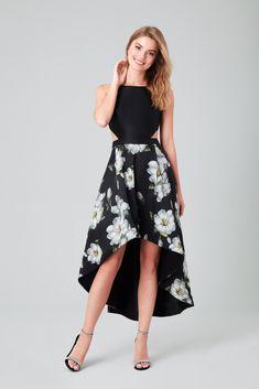 e951a0b65cfb3 2019 Mezuniyet Elbiseleri: Balo Elbiseleri Önerileri. Siyah Çiçekli Abiye  Elbise.