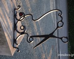 Small Hair Salon, Metal Signage, Storefront Signs, Salon Signs, Old Signs, Antique Decor, Store Signs, Sewing Rooms, Hanging Signs