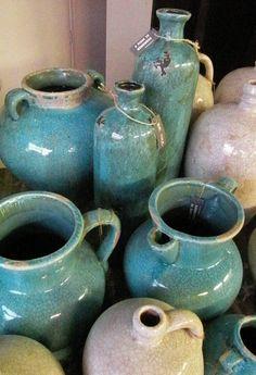 prachtige nieuwe `oude vazen`.............. ik verzamel ze :)