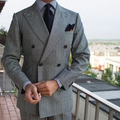 "paul-lux: ""Clean fit and cut by Suit Fashion, Mens Fashion, British Style Men, Suit Combinations, Designer Suits For Men, Black Dress Shoes, Men Formal, Suit And Tie, Mens Suits"