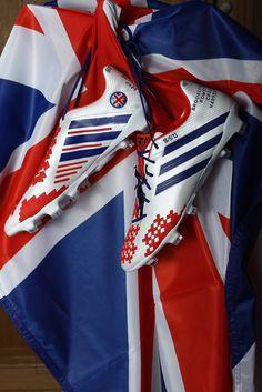 David Beckham's last pair of custom adidas predators. I'm gonna cry...... (They look really cool too)