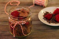 Restl Verwertung: veganes Schichtdessert   vegane Cakepops Cakepops, Mason Jars, Vegetables, Food, Small Glass Jars, Play Dough, Raspberries, Cooking Recipes, Food Cakes